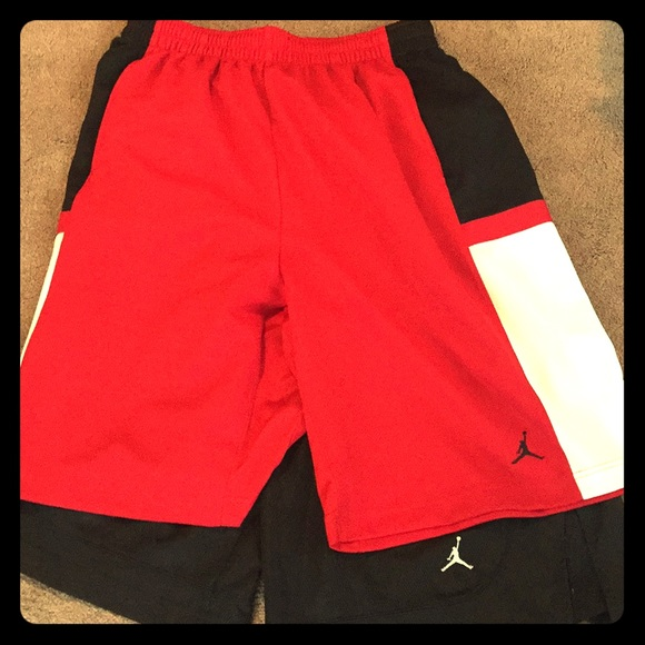 4b6de56a8e5 ... Michael Jordan basketball shorts. M_5a80b140fcdc31c90abe6fb6